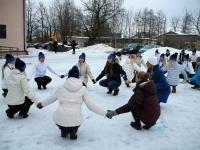 003 Jõgeva noored kujutamas Eesti Vabariik 100 tantsukeeles. Foto: Jõgeva kultuurikeskus FB lehel