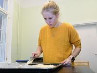 023 Alla koolitab Sindi noori tordi valmistajaid. Foto: Urmas Saard
