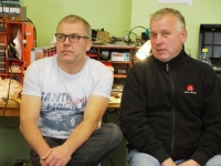 005  Lembit Volmerson (Antsu isa) paremal Rasmus Blitneri vanaisa. Foto: Urmas Saard