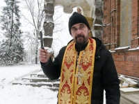 020 Ülempreester Andreas Põld, EAÕK Suure-Jaani kiriku taastamine. Foto: Urmas Saard