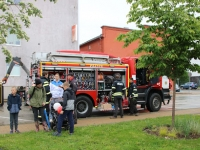 003 Tuletõrjujad päästeautoga. Foto: Marge Tasur
