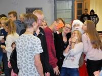 001 Õpilaste jõululaat Pärnu Raeküla koolis Foto Urmas Saard
