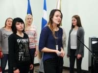 012 Õpilaste jõululaat Pärnu Raeküla koolis Foto Urmas Saard