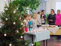 017 Õpilaste jõululaat Pärnu Raeküla koolis Foto Urmas Saard