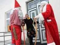 003 Jõulutaat Olle ja päkapikk Jan Vohnja Lasteaed-Algkoolis Foto Urmas Saard
