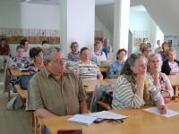 Ajakirjanik Urmas Kiil Julia Laffranque ettekannet kuulamas