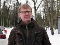 001 Ülo Kirt, Julius Friedrich Seljamaa mäletsumärgi valmimine on töös. Foto: Urmas Saard