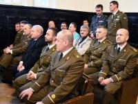 003 Kaitseliidu Pärnumaa malevas vahetusid pealikud. Foto: Urmas Saard