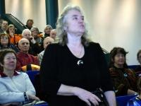 001 Kati Voomets TÜ Pärnu kolledži Väärikate ülikooli kuulajate ees esinemas. Foto: Urmas Saard