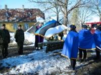 001 Kodutütardele annetatud Eesti lipu õnnistamine. Pressifoto