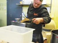 006 Krulli kohvik küpsetab Sindi laadapäevaks. Foto: Urmas Saard
