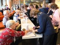 001 Linnapea kandidaadid Pärnu väärikate ees. Foto: Urmas Saard