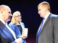 040 Linnapea kandidaadid Pärnu väärikate ees. Foto: Urmas Saard