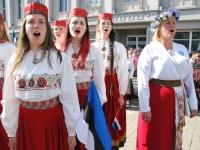 009 Lipu päeva tähistamine Rüütli platsil ja rongkäiguga. Foto: Urmas Saard