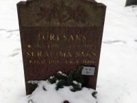 005 Lipu seltsi liikmed Stockholmi Metsakalmistul. Foto: Uudo Kasuk