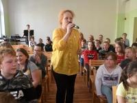014 Katrin Reinmaa. Lugemisprojekti Meie Väike Raamatukogu Sindi gümnaasiumis. Foto: Urmas Saard