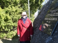 001 Mälestustahvel Tõnis Kalbusele. Foto: Urmas Saard