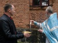 009 Mälestustahvlite avamine EAÕK Tahkuranna kirikus. Foto: Urmas Saard