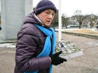 004 Märtsiküüditamise 69. mälestuspäeval Pärnus. Foto: Urmas Saard