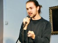 009 Methe Danefeldt kontserdiga Avangard Galeriis. Foto: Urmas Saard
