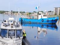 001 Noore naise otsingud Pärnu Kesklinna silla lähedal. Foto: Urmas Saard