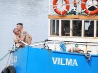 004 Noore naise otsingud Pärnu Kesklinna silla lähedal. Foto: Urmas Saard