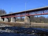 002 Pärnu jõgi Sindi silla kohal pärast paisu mahavõtmist. Foto: Urmas Saard