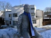009 Pärnu sümbolkujud sinimustvalgeks. Foto: Urmas Saard