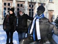 017 Pärnu sümbolkujud sinimustvalgeks. Foto: Urmas Saard