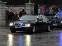 007 President Zelenskõi asetab pärja Vabadussõja võidusambale. Foto: Urmas Saard