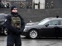 012 President Zelenskõi asetab pärja Vabadussõja võidusambale. Foto: Urmas Saard