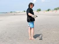 005 Rait Pärg tähistab oma juubelit Pärnu rannas skulptuuride valmistamisega. Foto: Urmas Saard