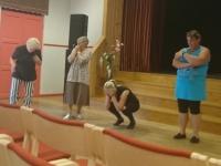 001 Harrastusnäitlejad lavalise liikumise koolitusel. Foto: Valdi Reinas