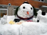 005 Sindi gümnaasiumi lumelinna päev 2011. a 3. veebruaril.  Foto: Urmas Saard