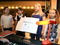 007 Sindi gümnaasiumi pidulik kontsert-aktus EV100. Foto: Urmas Saard