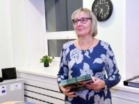 006 Sindi käsitööringi 60. tegevusaasta näitus linnaraamatukogus. Foto: Urmas Saard