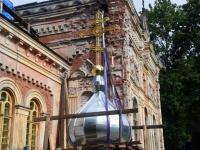001 Sindi kiriku kellatorni kupli ja risti paigaldamine. Foto: Urmas Saard