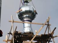 040 Sindi kiriku kellatorni kupli ja risti paigaldamine. Foto: Urmas Saard