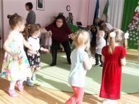 011 Sindi lasteaia 125. sünnipäeva pidu sõimerühma mudilastega. Foto: Urmas Saard