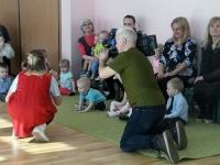 018 Sindi lasteaia 125. sünnipäeva pidu sõimerühma mudilastega. Foto: Urmas Saard