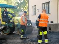 011 Sindi tervisekeskuse esise asfalteerimine
