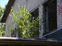 006 Sindis, Pärnu mnt 26 hoone lammutamine. Foto: Urmas Saard