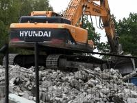 009 Sindis, Pärnu mnt 26 hoone lammutamine. Foto: Urmas Saard