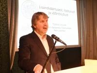 001 Toomas Kuuda loenguga Väärikate ülikoolis. Foto: Urmas Saard