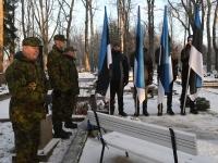 005 Vabadussõja 100. aastapäeva hommikul Sindi Vanal kalmistul. Foto: Urmas Saard