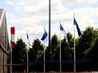 003 XII noorte laulu- ja tantsupeo lippude heiskamised. Foto: Tõnu Aru