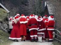 002 XVIII Ülemaalise Jõuluvanade konverentsi esimese adventpüha teekonnal. Foto: Urmas Saard