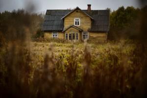 Eelmise aasta võidutöö: Margus Mutsa foto Stalde talust Pillardi külas Haanjamaal. Allikas: www.vanaajamaja.ee
