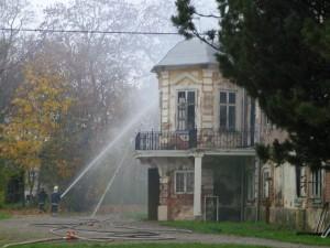 Ahja mõisa põleng 9. oktoobril 2007. Foto: Kadri Ugur