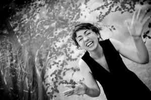 Dublinist pärit jutuvestja Clare Muireann Murphy repertuaaris on müüte, legende, folkloori, valme, isiklikke lugusid ja omaloomingut. Foto: rahvakultuur.ee